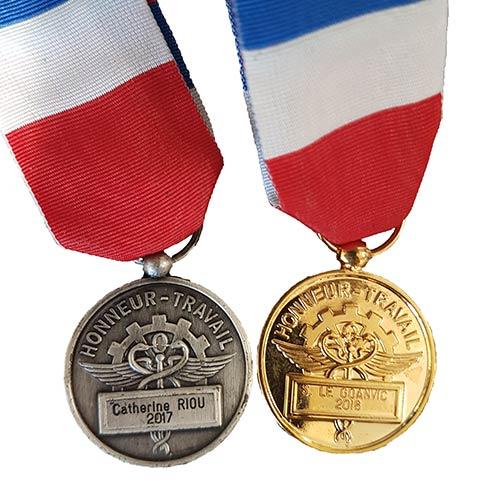 Médailles du travail et décorations